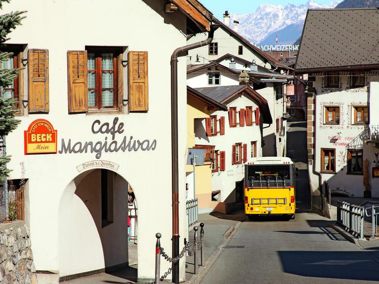 Hotel_Helvetia_Val Müstair_Postauto