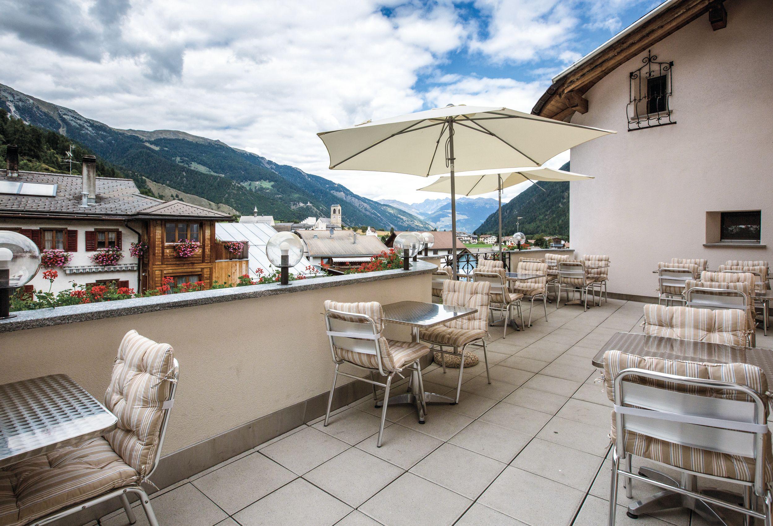 Hotel_Helvetia_Müstair_Terrasse