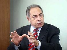 Antonio Carlos Fernandes.jpg