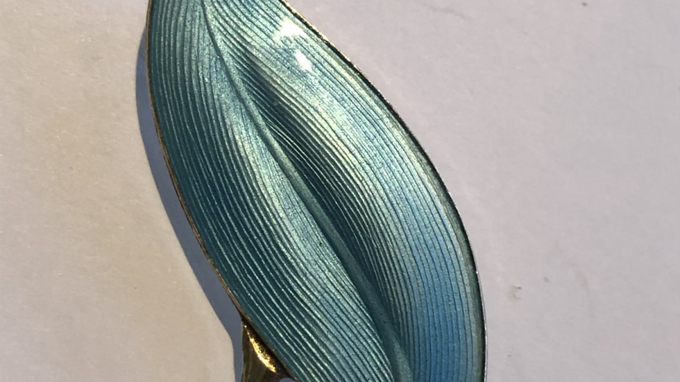 Finn Jensen- nydelig isblå brosje