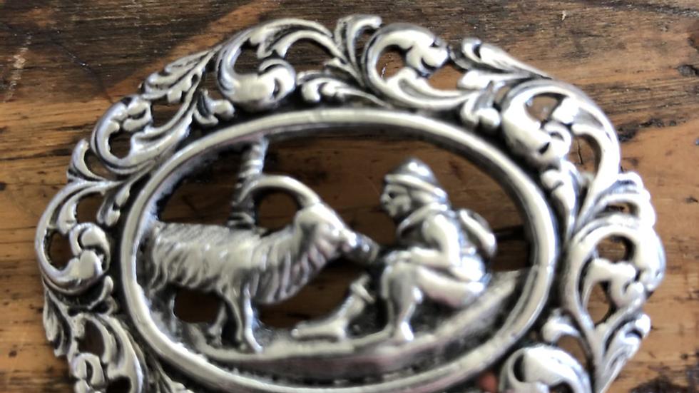 Nasjonalromantisk brosje i sølv