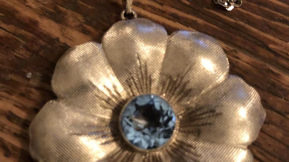 Sølvkjede med anheng