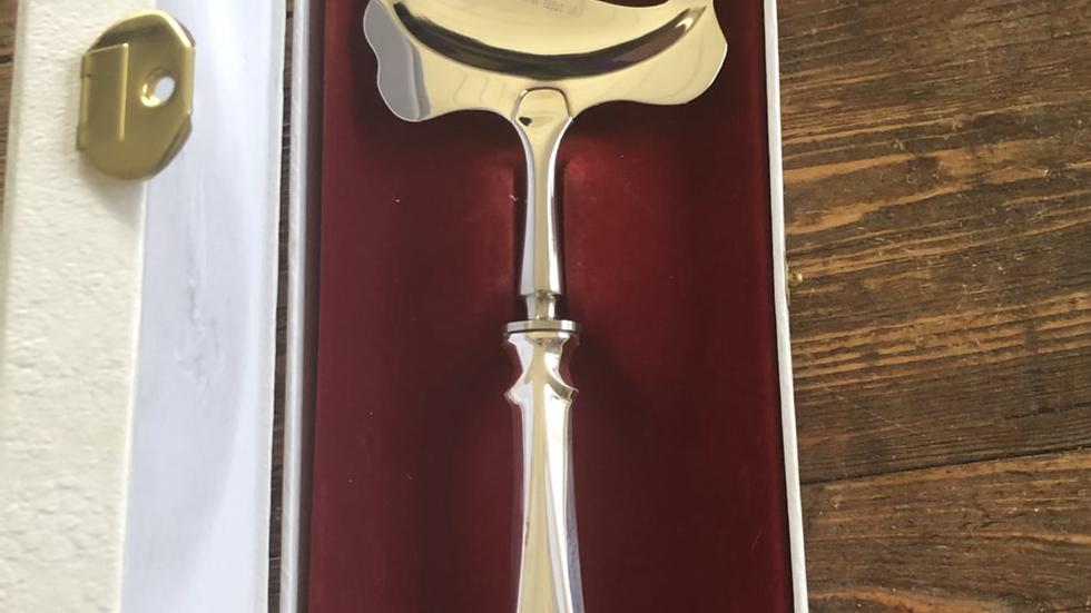 Lilje ostehøvel i sølv