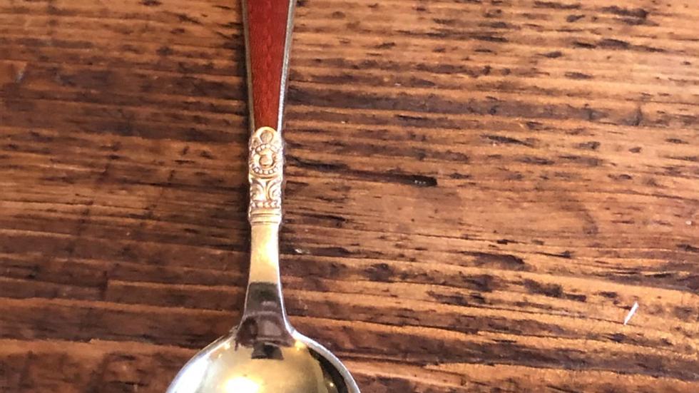Teskje i sølv og emalje