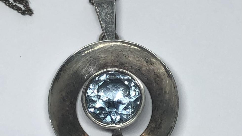 Finsk sølvanheng med blå sten