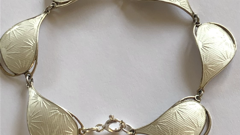 Ivar T Holth armbånd i sølv og emalje