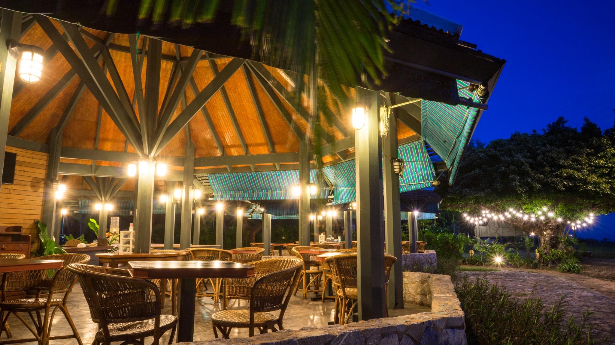 Restaurant Bann Pae Cabana
