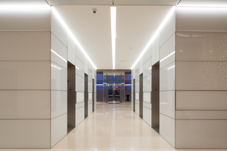 hall t2 lobby-3