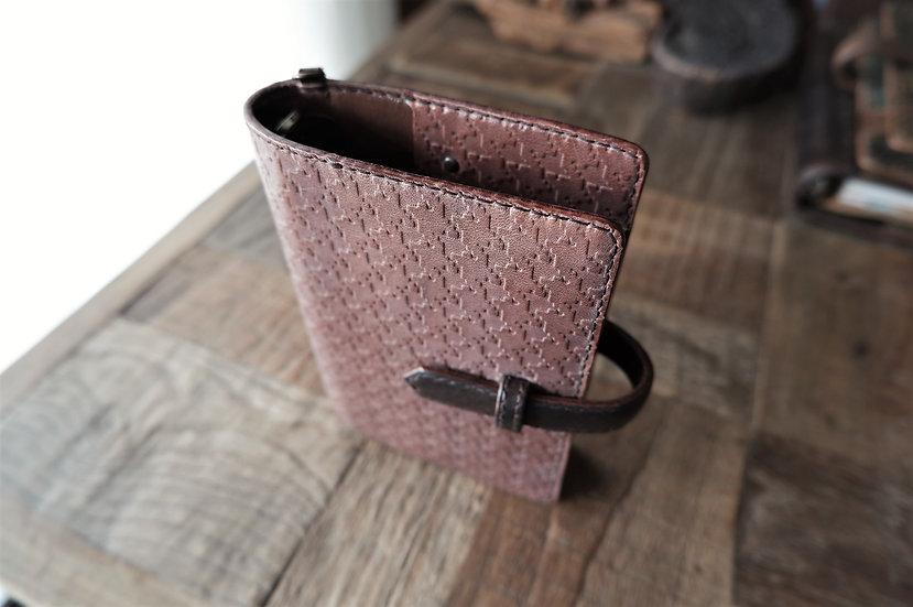 ヌメ革のシステム手帳 カフェオレ 蝋引き