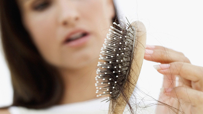 How to help fight thinning hair in women... 9 tips to go from Flat to FABulous!
