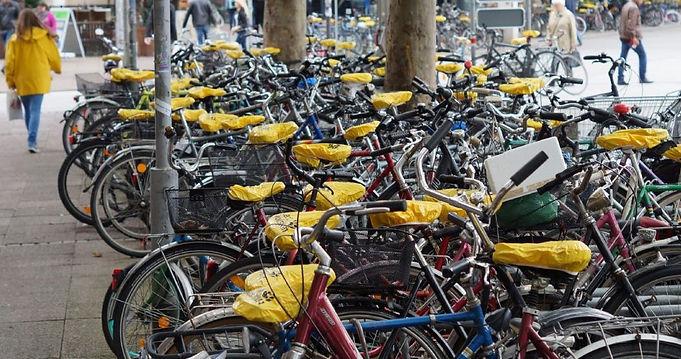 Bike_Caps_arbeiten_detail_header_large-1