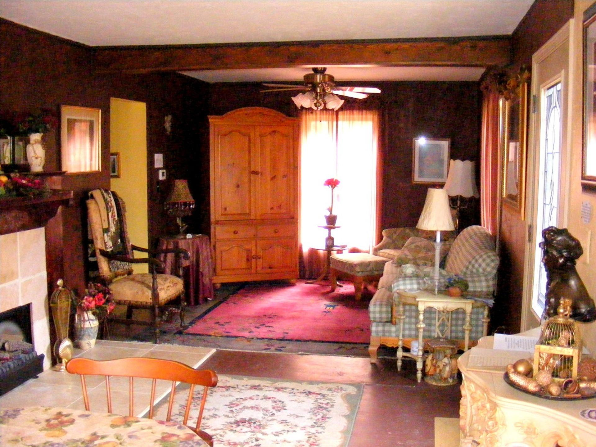Manoir Living Room 2