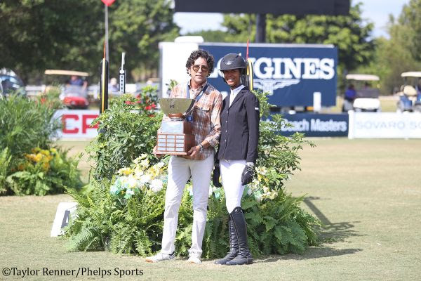 M. MICHAEL MELLER PRESENTS HIS STYLE OF RIDING AWARD TO MAVIS SPENCER