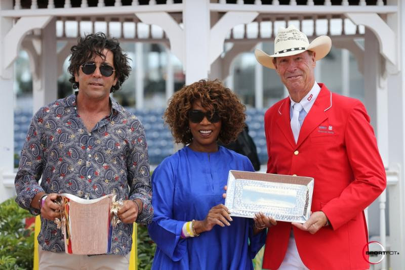 MICHAEL MELLER (LEFT) AND ALFRE WOODARD (CENTER) PRESENTED IAN MILLAR (RIGHT) WITH THE KATE NASH BOONE STYLE OF RIDING AWARD DURING THE 2017 WINTER EQUESTRIAN FESTIVAL. PHOTO: SPORTFOT