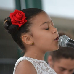 Alana Toro1