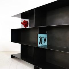 stalen design boekenrek wallsystem roomd