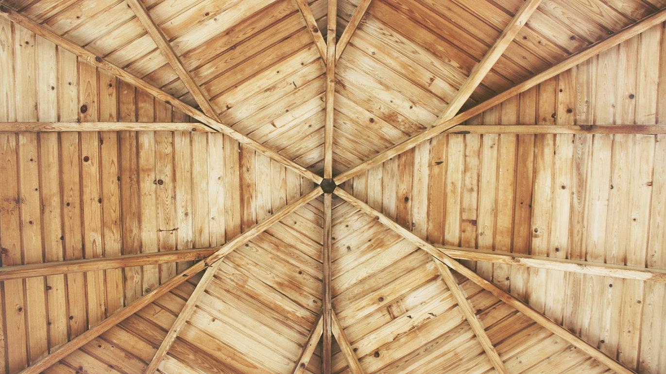 teto de madeira