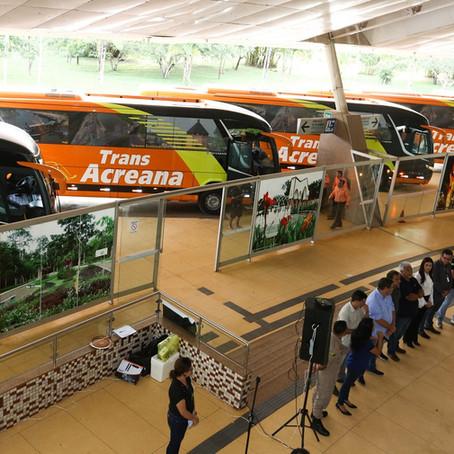 Trans Acreana apresenta cinco novos ônibus leitos e anuncia linhas entre Brasil e Peru