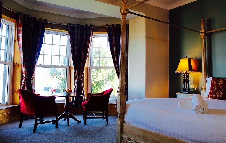 Royal Hotel Valentia.jpg