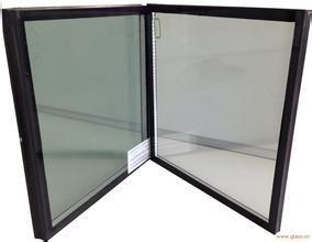 זכוכית בידודית לפני מסגרת