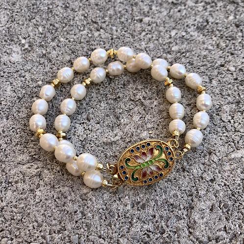 Butterfly Clasp Pearl Bracelet