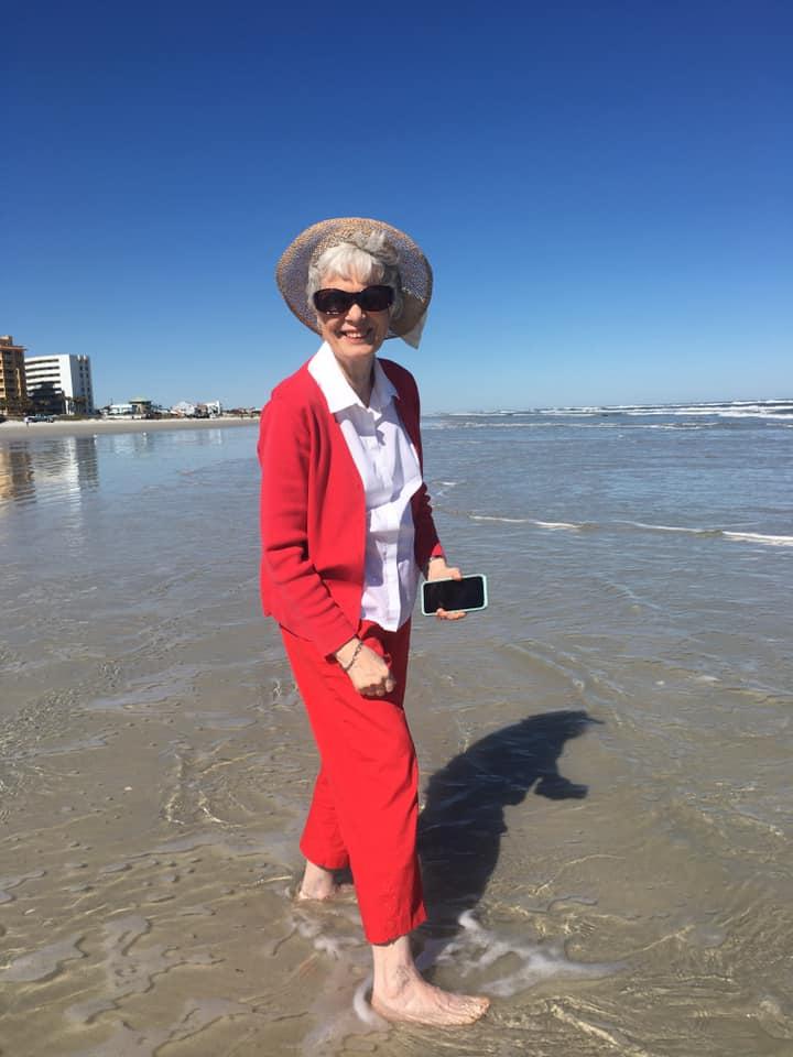 mom in ocean 83611072_2534373596823135_2