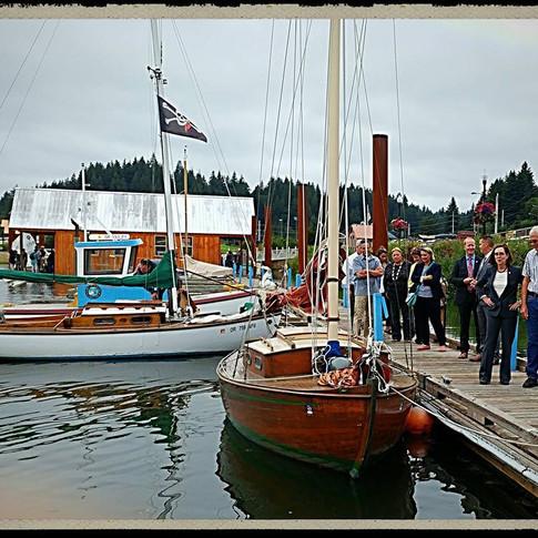 Oregon Governor Kate Brown visits the Teak Ladies