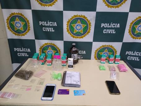 Policiais Civis da 33ª DP prendem três homens acusados de vender drogas sintéticas