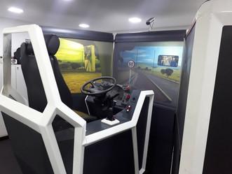 Único simulador de direção do BRT Rio fica em Jardim Sulacap. Veja como funciona
