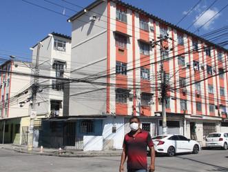 Reforma do conjunto habitacional em Realengo melhora pintura e gera empregos aos moradores