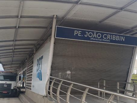 Não há verba para reabrir a estação do BRT em Magalhães Bastos