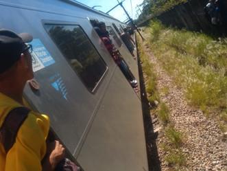 Homem em linha férrea na Vila Militar interrompe circulação de trens