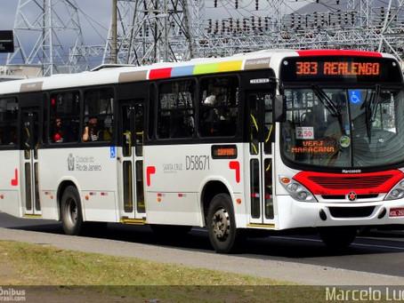 Passageiros do 383 reclamam da mudança de horários dos últimos ônibus