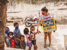 """Conheça o projeto social """"Amigos pela Caridade"""", realizado na comunidade do Batan, em Realengo"""