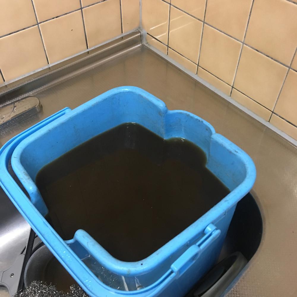 油を溶かし洗浄しました。