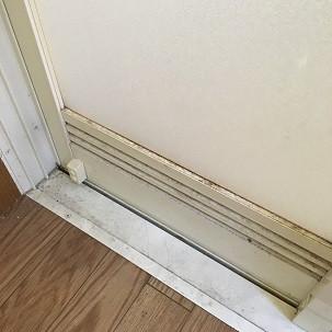 浴室ドア(通気口)