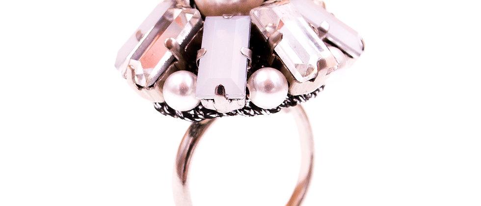 Adela Ring