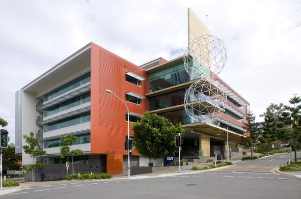 QUT Institute of Health + Biomedical Innovation