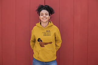 heather-hoodie-mockup-of-a-smiling-woman