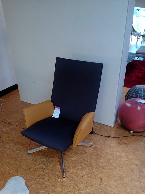 KNOLL / PILOT CHAIR