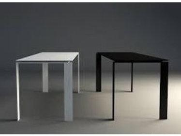KARTELL / FOUR TABLE