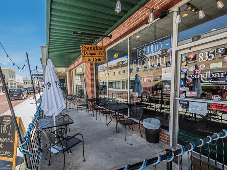 The Sandbar Daiquiri Bar & Grill