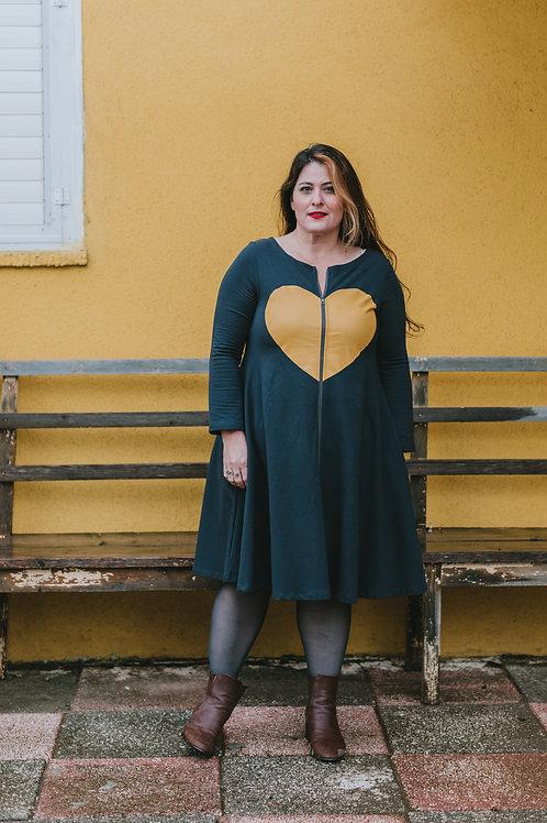 שמלת אלבי אפורה עם לב צהוב