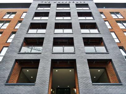 apartment-architecture-brick-wall-439382