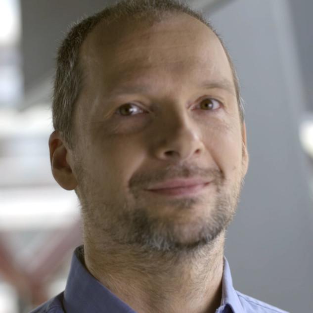 dr hab. Piotr Wasylczyk