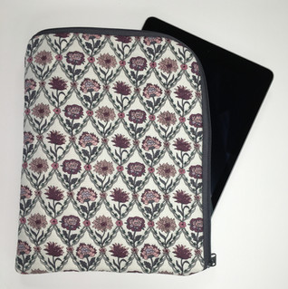 Quilted iPad, tablet Case.JPG