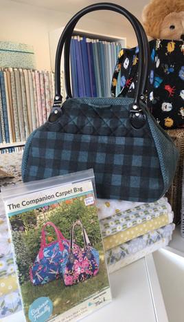 Mrs H The Companion Carpet Bag 1b.JPG