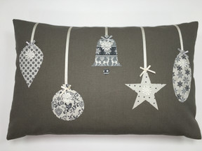 Cushion - Christmas Baubles.JPG