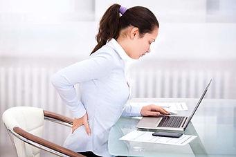 Massagem Rolfing Reiki é uma cura tratamento eficaz para dor nas costas