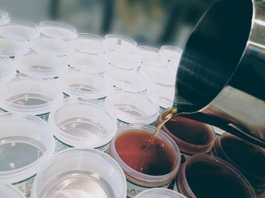 Smrekovo mazilo - ročna izdelava
